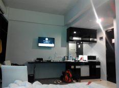 ruangan berantakan diisi para keponakan